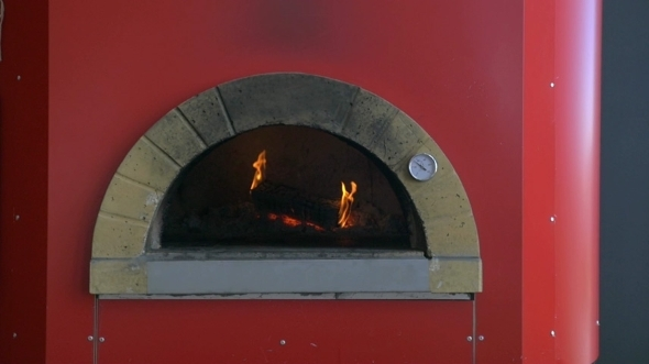 Burning Firewood In Pizza Stove